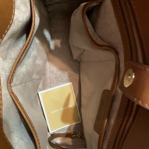 Michael Kors Sutton Medium Brown Leather